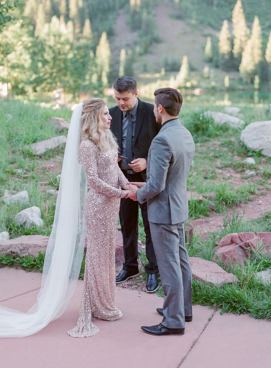 intimate destination wedding sunrise wedding ceremony ideas aspen colorado wedding photographers colorado mountain wedding venues small wedding ceremony venues film wedding photographers Brytny + Kiley | Featured on BRIDES GrantWed Blog014