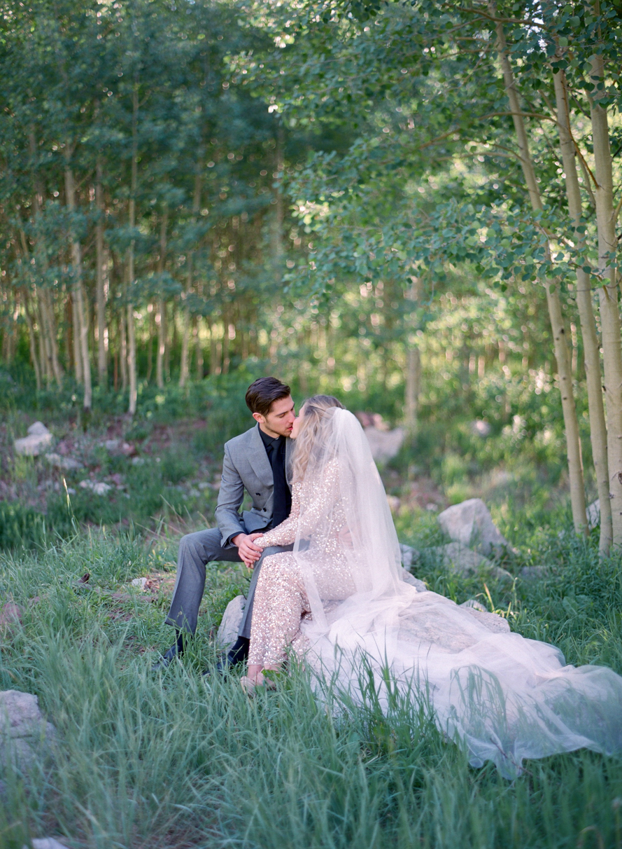 intimate destination wedding sunrise wedding ceremony ideas aspen colorado wedding photographers colorado mountain wedding venues small wedding ceremony venues film wedding photographers Brytny + Kiley | Featured on BRIDES GrantWed Blog021
