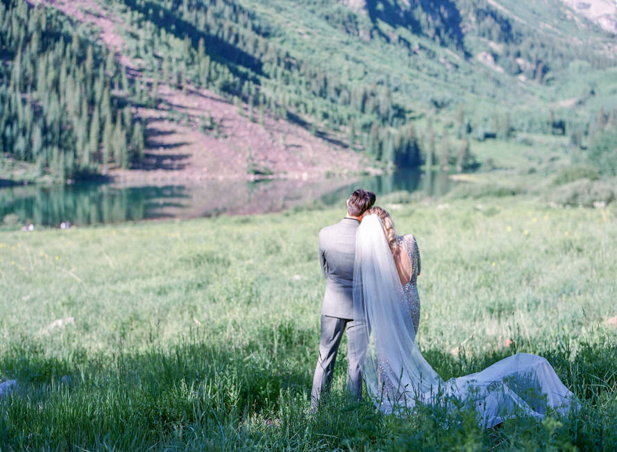 intimate destination wedding sunrise wedding ceremony ideas aspen colorado wedding photographers colorado mountain wedding venues small wedding ceremony venues film wedding photographers Brytny + Kiley | Featured on BRIDES GrantWed Blog030